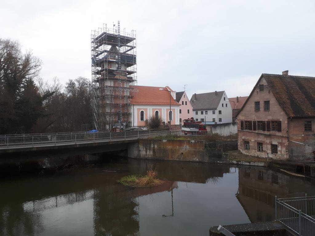 Nach der Fertigstellung des Langhauses ist nun der Turm an der Reihe.